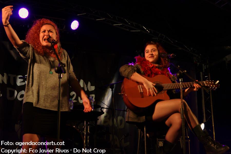 Noelia Morgana i La Otra, actuant als concerts del Dia Internacional de la Dona 2017 a Nou Barris (Barcelona).