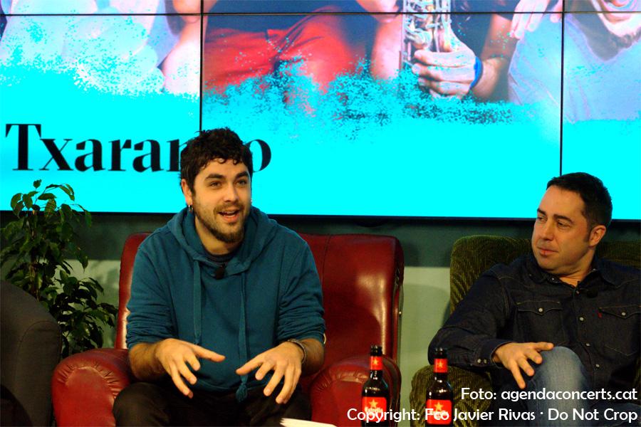 Presentació del Festival Cruïlla 2017 a l'Antiga Fàbrica Damm. D'esquerra a dreta: Alguer Miquel (Txarango) i Jordi Herreruela (director del festival).