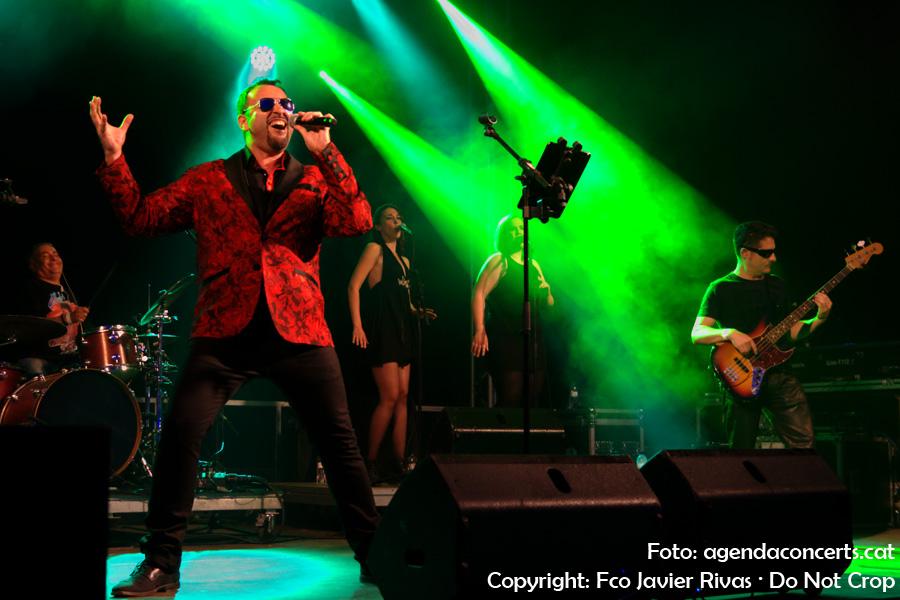 El grup de versions Vamp's Soul & The Soul Pumpettes, actuant a la Festa Major de Sant Boi de Llobregat 2017.