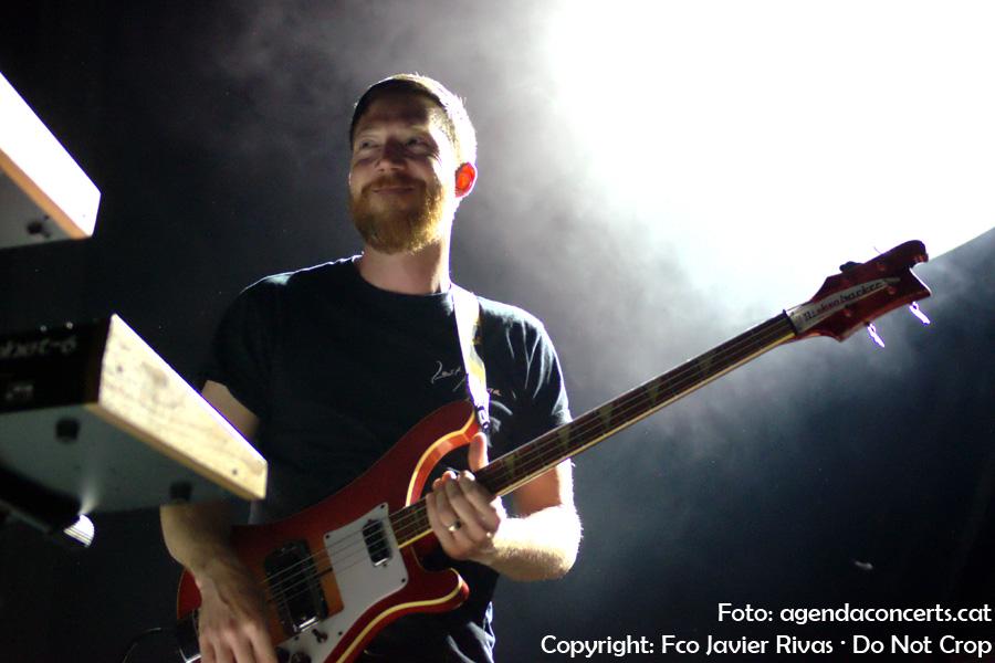 El duet Zombi, interpretant les seves cançons atmosfèriques a la sala Razzmatazz de Barcelona.