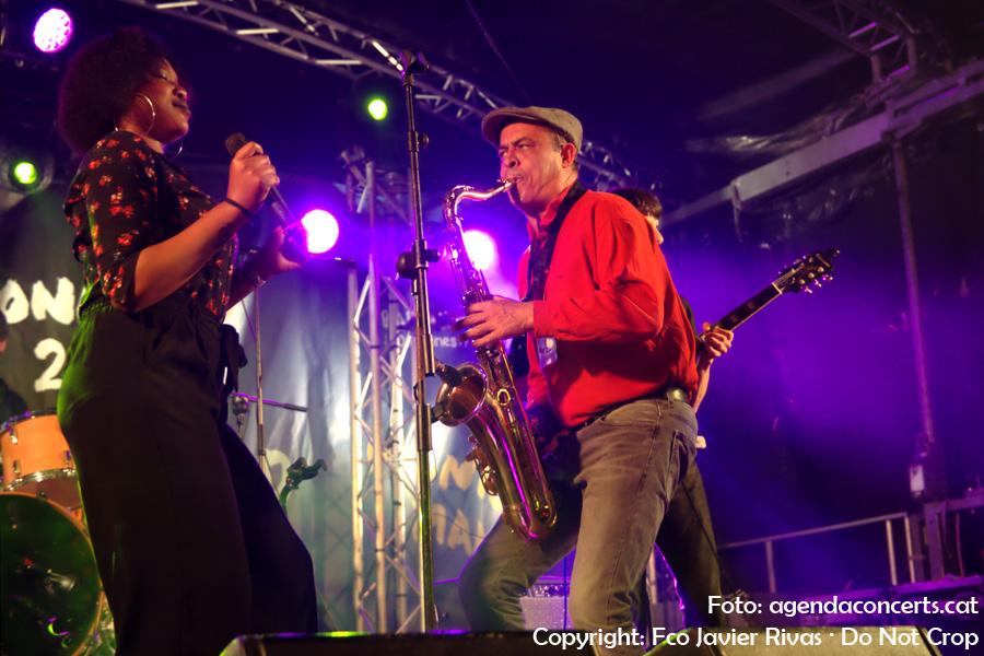 Monique Makon & The Soul Titoo's, actuant als concerts del Dia Internacional de la Dona a Nou Barris (Barcelona).