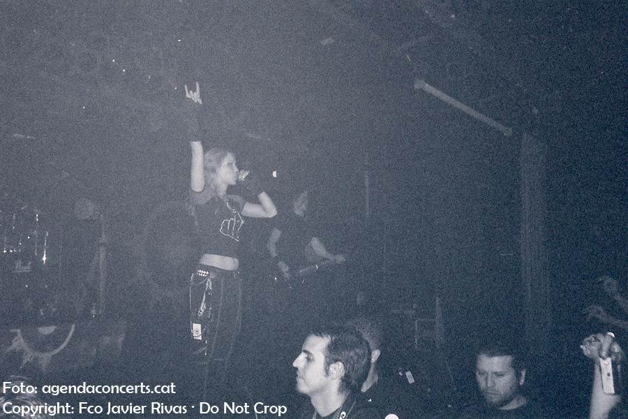 Angela Gossow, cantant d'Arch Enemy, actuant a la sala Razzmatazz 2 de Barcelona.