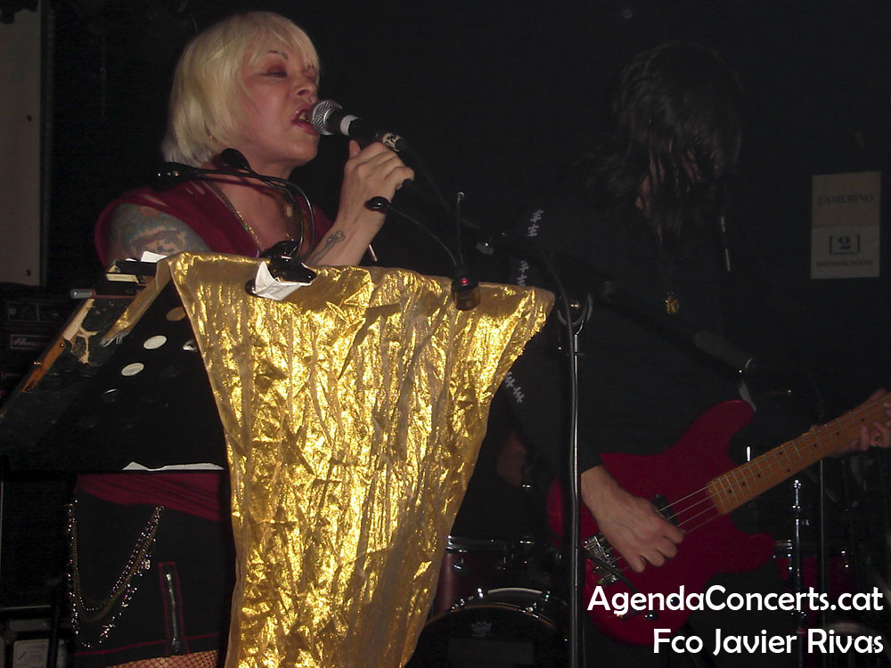 Psychic TV, actuant a la Sala Apolo 2 de Barcelona.