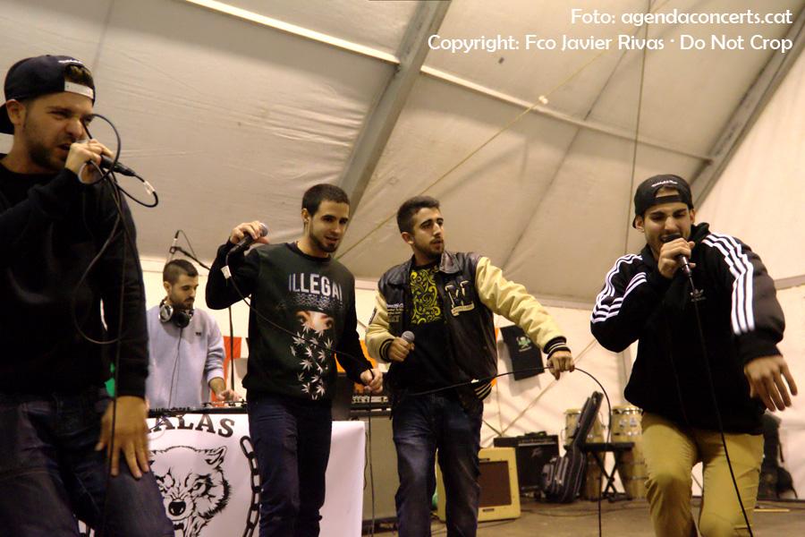 El grup de rap Malas Pulgas, actuant a la carpa de la Impuríssima, dins el marc de la Fira de la Puríssima 2016 de Sant Boi de Llobregat.