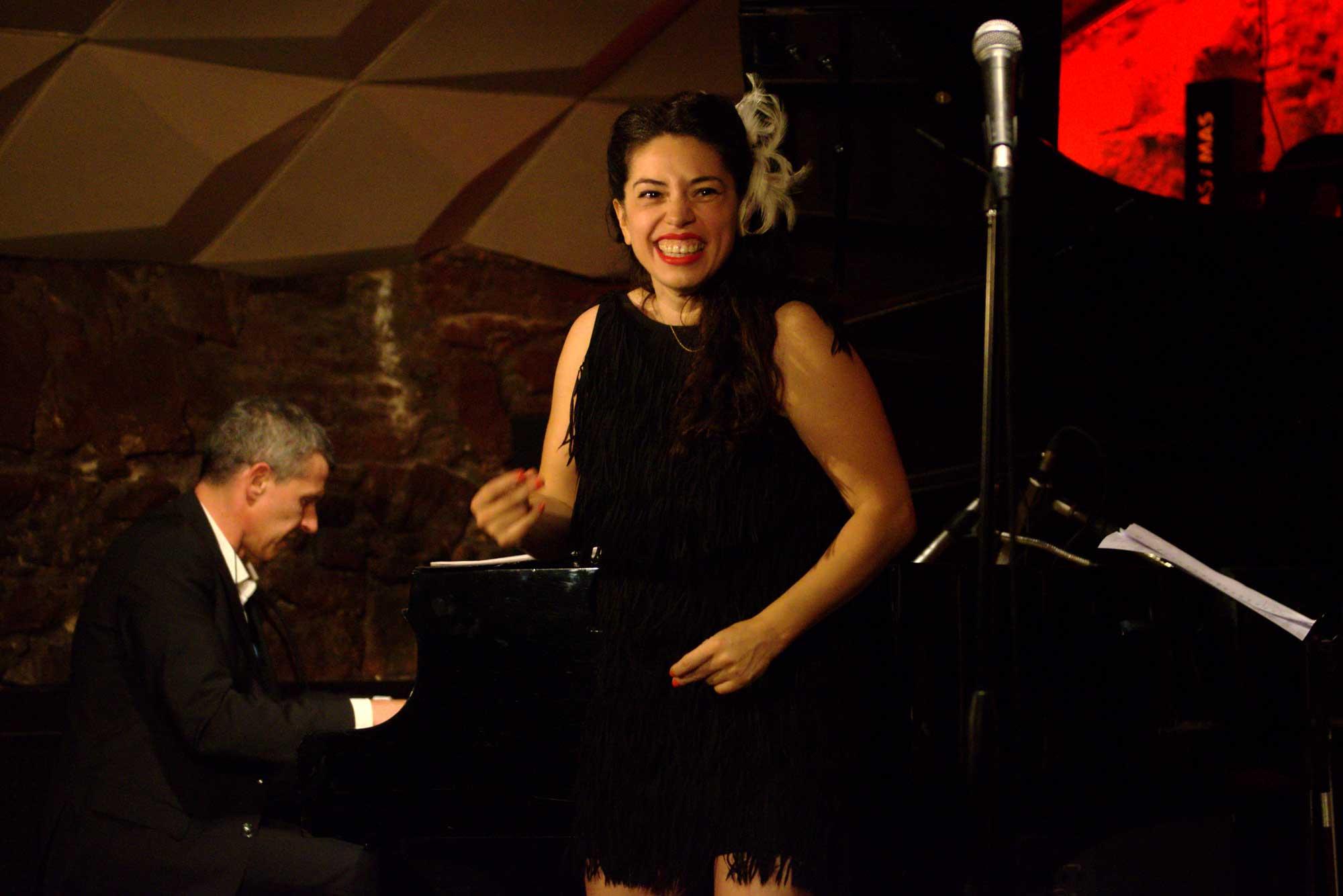 Myriam Swanson amb Magnolia actuant al Jamboree en el marc del Festival Grec.