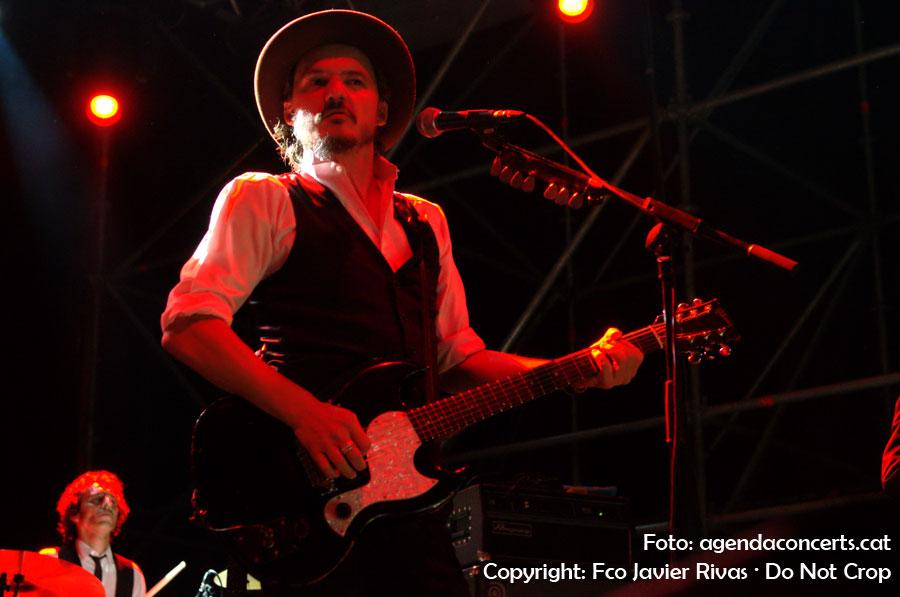 Coque Malla, en concert a la plaça de l'Ajuntament de Sant Boi de Llobregat dins el marc del Festival Altaveu 2016.