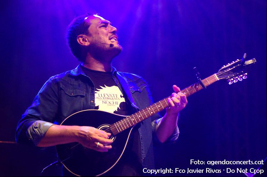 El cantautor Ismael Serrano, actuant al Festival Altaveu de Sant Boi de Llobregat 2016.