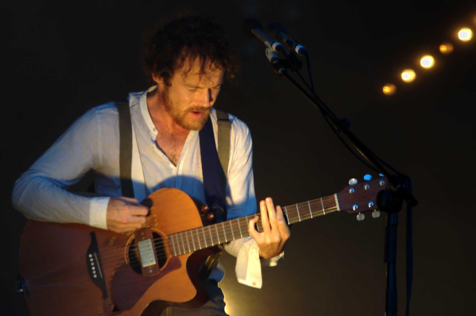 El cantautor Damien Rice, actuant al festival Cruïlla 2016 de Barcelona.