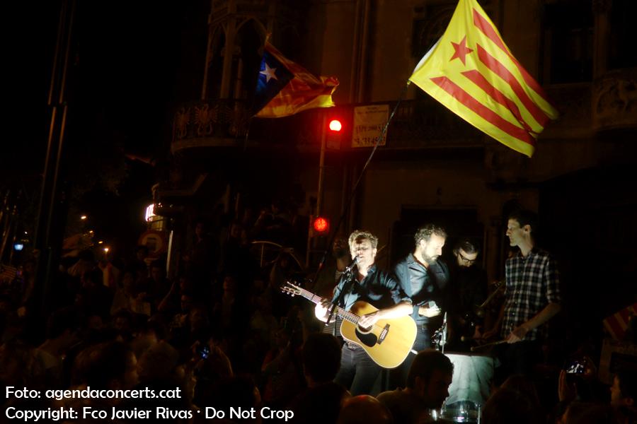 Mishima, actuant a la manifestació del 20 de setembre pel dret a votar al referèndum d'independència de Catalunya.
