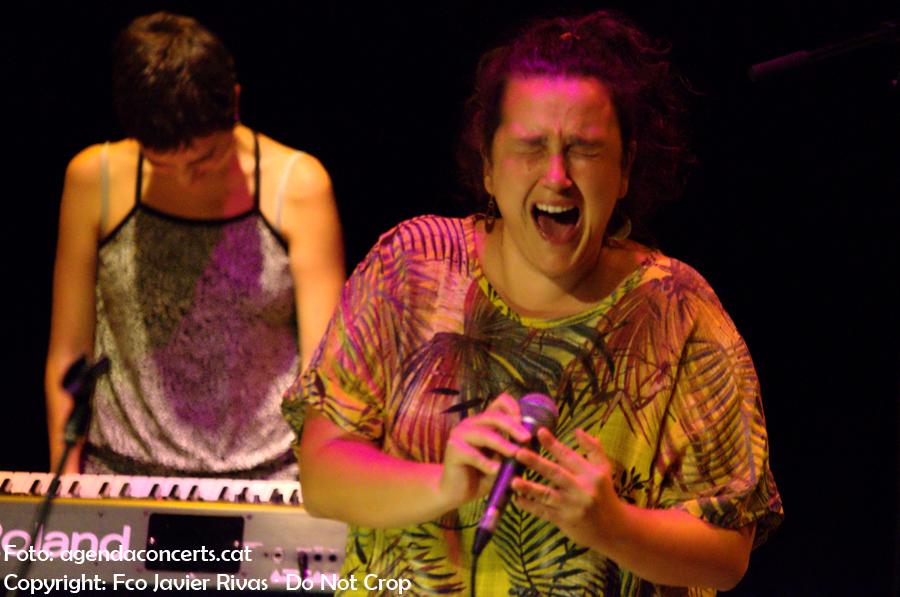 Joana Gomila Folk Souvenir, actuant al Festival Altaveu 2017 de Sant Boi de Llobregat.