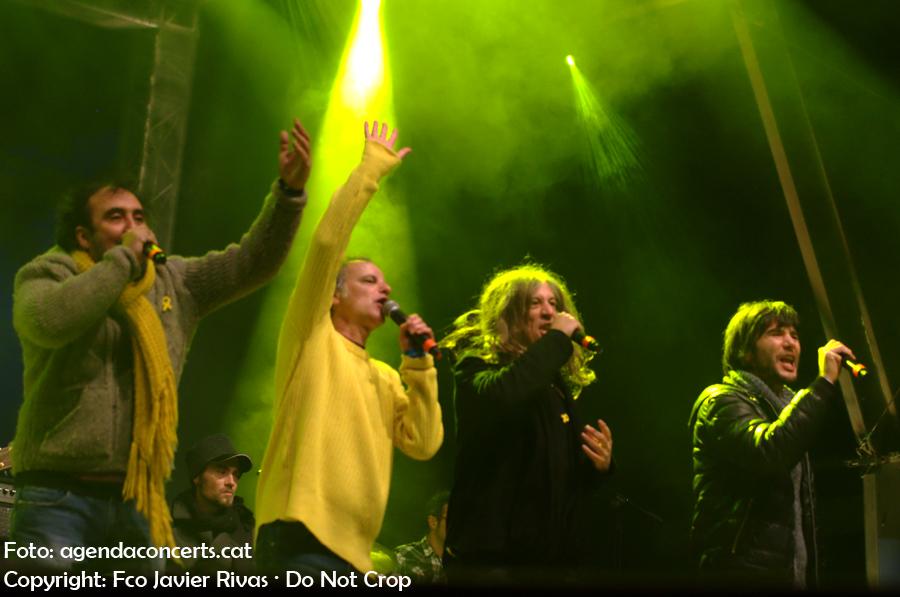 La Banda Impossible actuant al Concert per la Llibertat: Pem Fortuny, Lluís Gavaldà i Gerard Quintana.