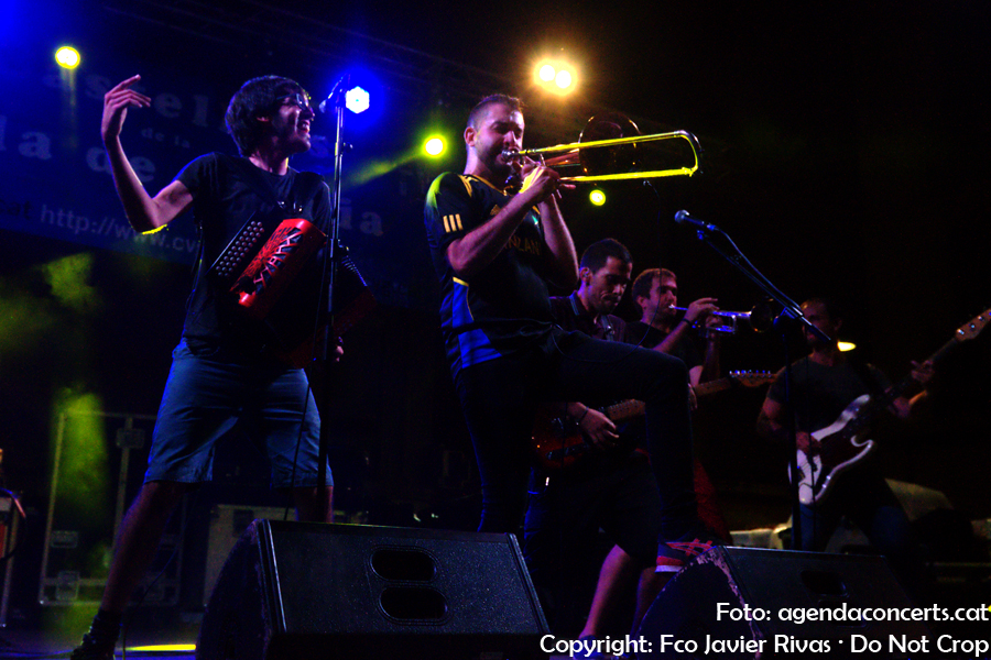 El grup La Terrasseta de Preixens, actuant a la Festa Major de Gràcia 2017.