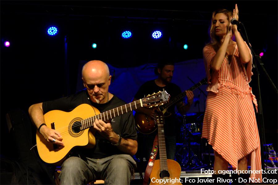 Tori Sparks i Calamento, actuant a la Festa Major de Gràcia 2017.