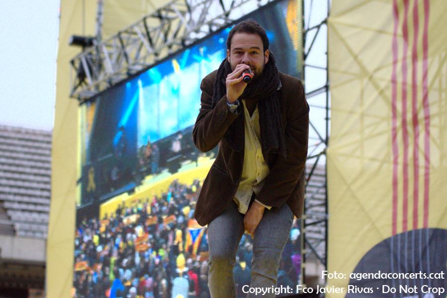 Oriol Barri, actuant al Concert per la Llibertat a l'Estadi Olímpic Lluís Companys de Barcelona.