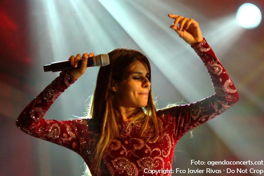 La cantant de fado Cuca Roseta, actuant a La Mercè 2018 de Barcelona.