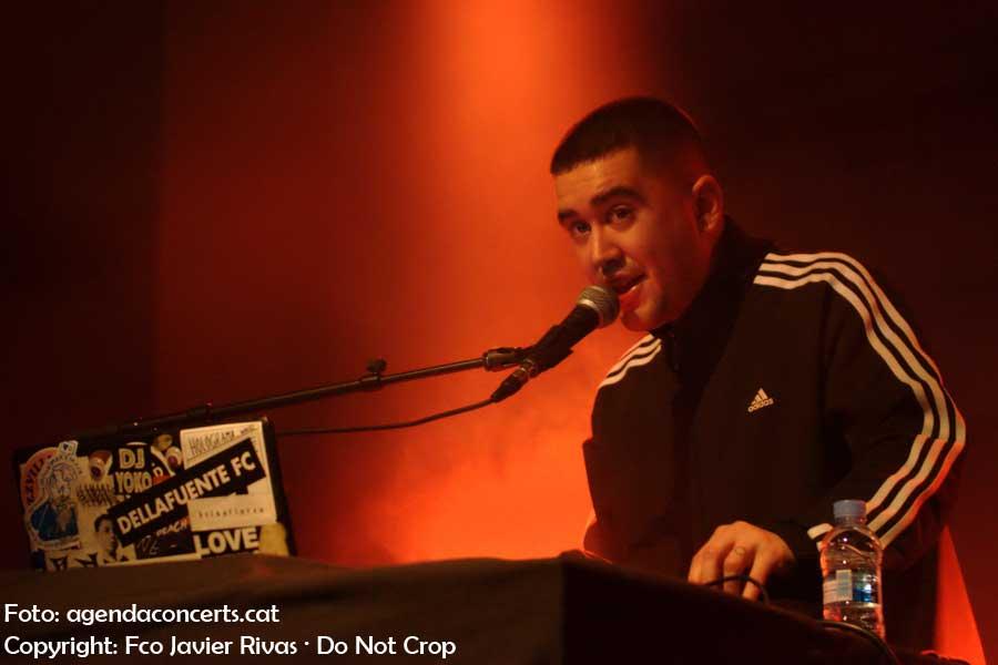 Holögrama, actuant a l'Emergència Festival al CCCB de Barcelona.