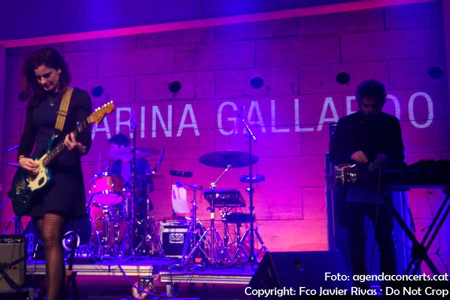 Marina Gallardo, actuant a l'Emergències Fest al CCCB de Barcelona.