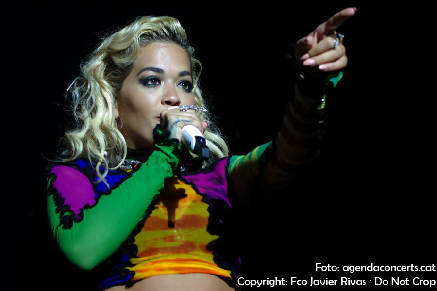 Rita Ora, actuant al Share Festival 2018 de Barcelona.