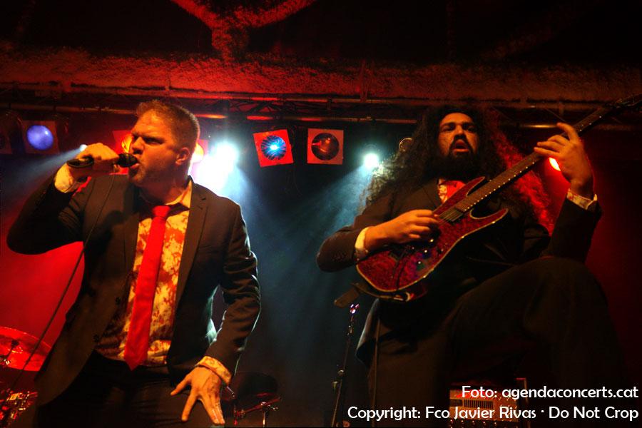 El grup de death metal Omophagia, actuant a la Sala Bóveda de Barcelona.