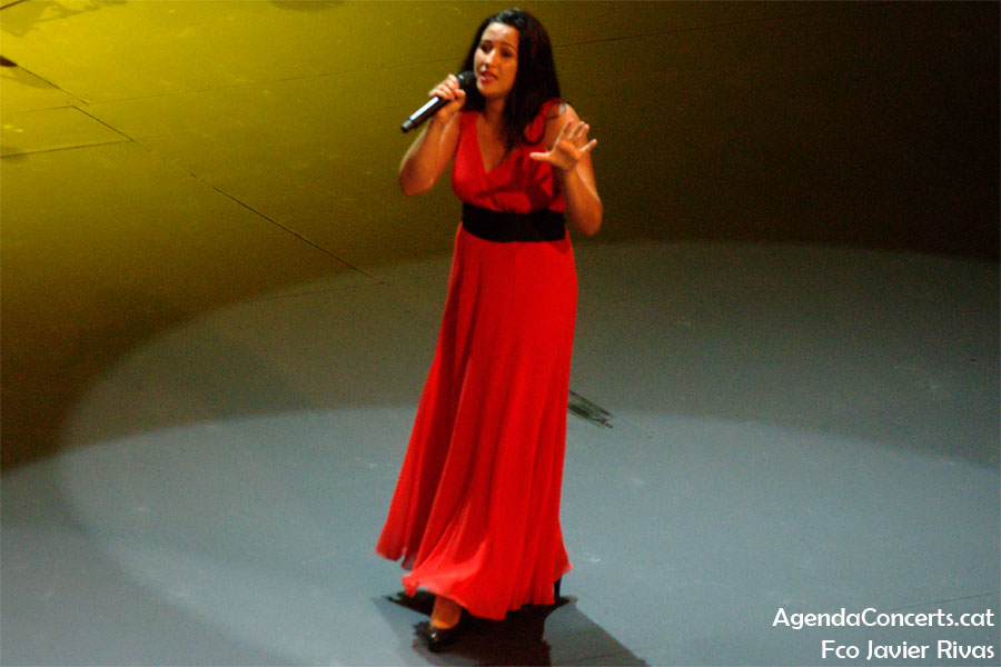 Alba Carmona, performing at the Teatre Grec of Barcelona.
