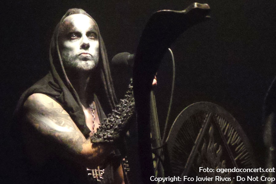 Behemoth, actuando en la sala Razzmatazz de Barcelona presentando 'I loved you at your darkest'.