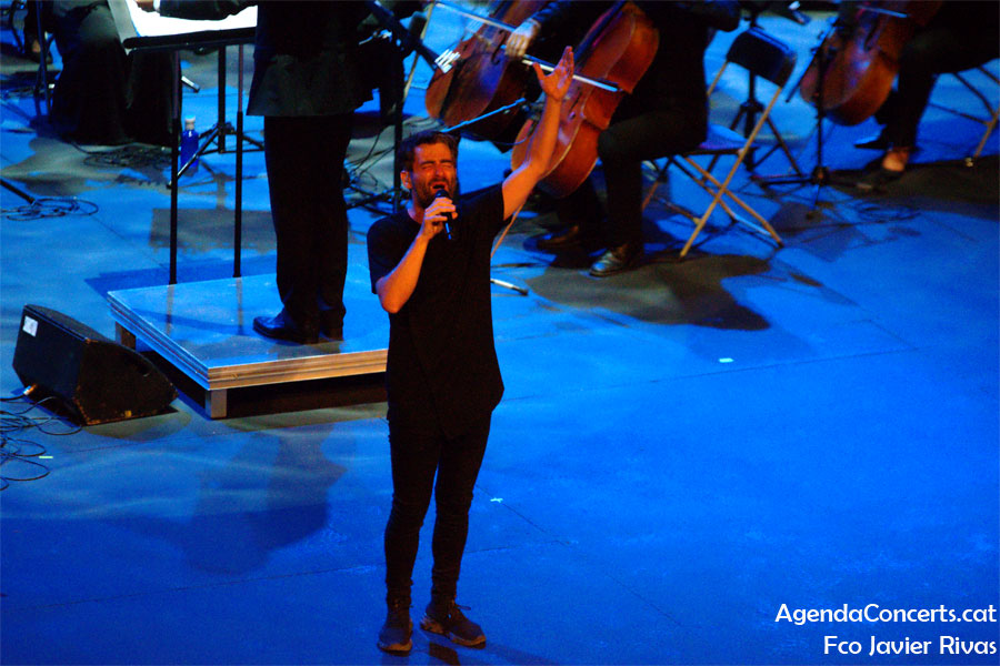 Joan Dausà, performing at Teatre Grec de Barcelona.