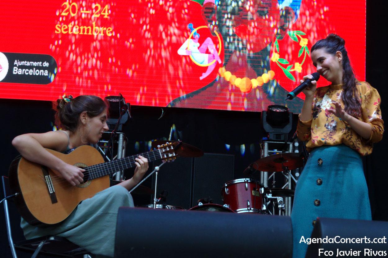 Raquel Lúa y Amaia Miranda, actuando durante las Fiestas de La Mercè 2019 de Barcelona.