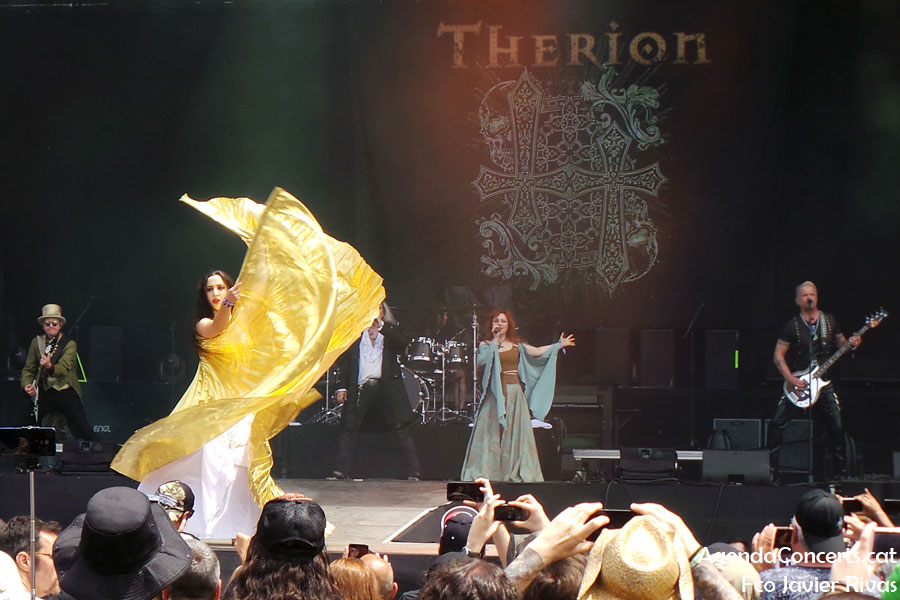 Therion, actuant al Rock Fest Barcelona 2019.