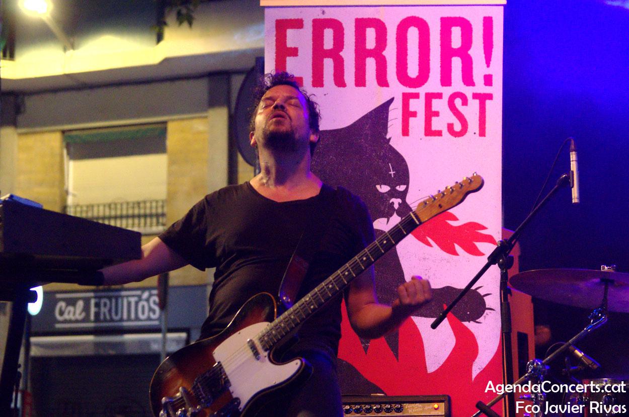 Gambardella, actuando en el Error Fest! de las Fiestas de Gràcia 2019 en Barcelona.