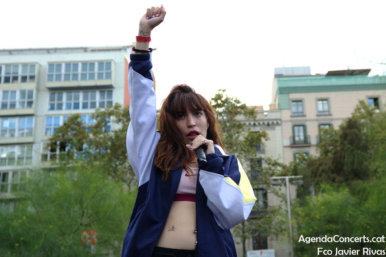 El quartet femení de rap Ira, actuant a l'Acampada de la plaça Universitat de Barcelona.