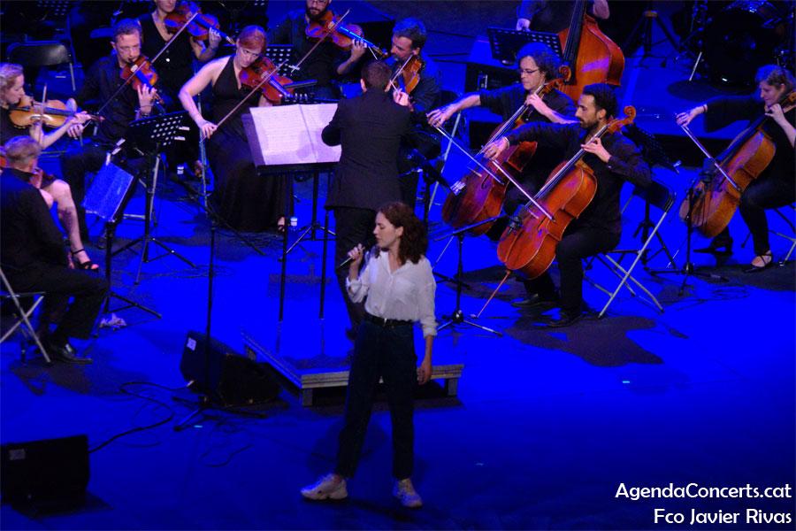 Núria Graham, actuant al Teatre Grec de Barcelona.
