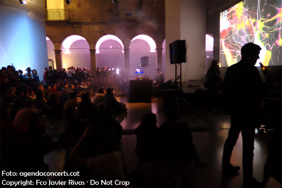 Konx-om-Pax, actuando en el Eufònic Urbà de Barcelona.