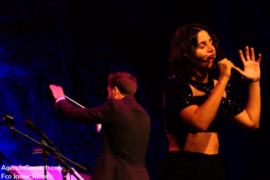 Maria Arnal y Marcel Bagés, actuando en el Teatre Grec de Barcelona.