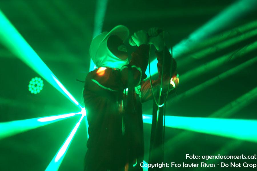 Gazelle Twin, actuant al Caixafòrum de Barcelona.