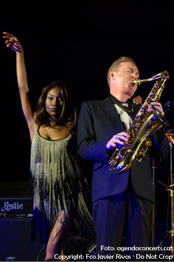 Koko-Jean & The Tonics y Dani Nel·lo, actuando en la Fiesta Mayor de Gavà 2019.