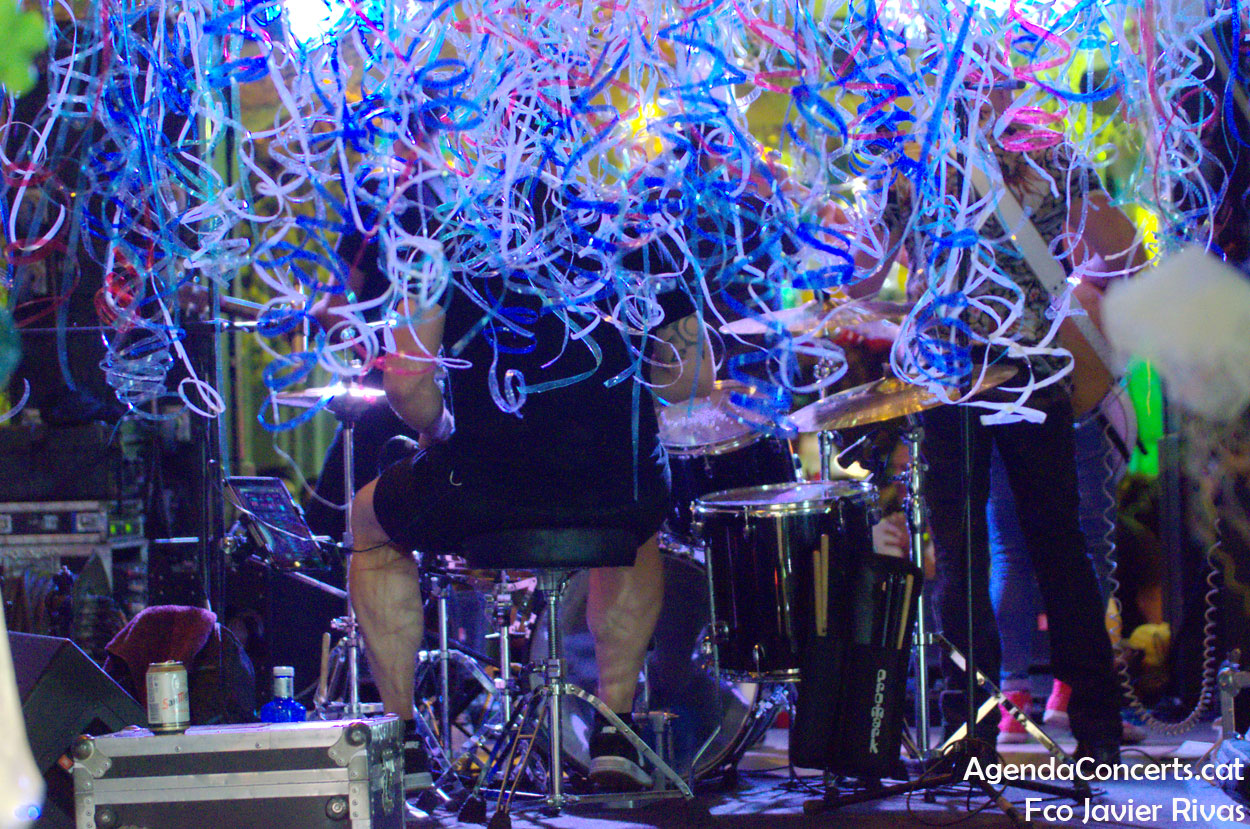 Los Lonelys Band, actuando en las Fiestas de Gràcia 2019 de Barcelona.