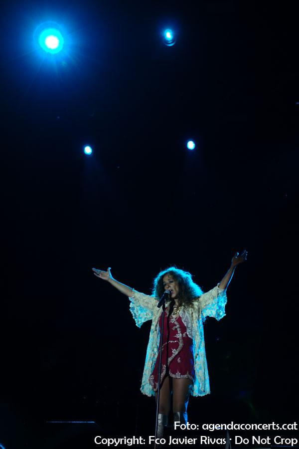 Rosario Flores, actuando en la Fiesta Mayor de Sant Boi de Llobregat 2019.