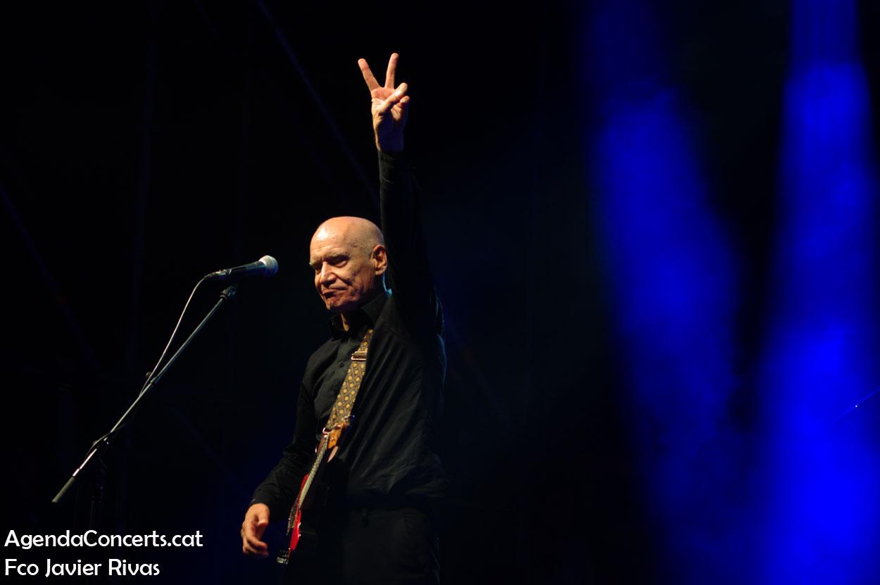 Wilko Johnson, actuando en el Festival Altaveu 2019 de Sant Boi de Llobregat.
