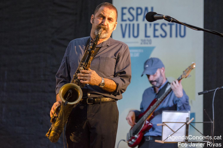 Toni Solà Quartet, actuant als Jardins de Can Castells de Sant Boi de Llobregat.
